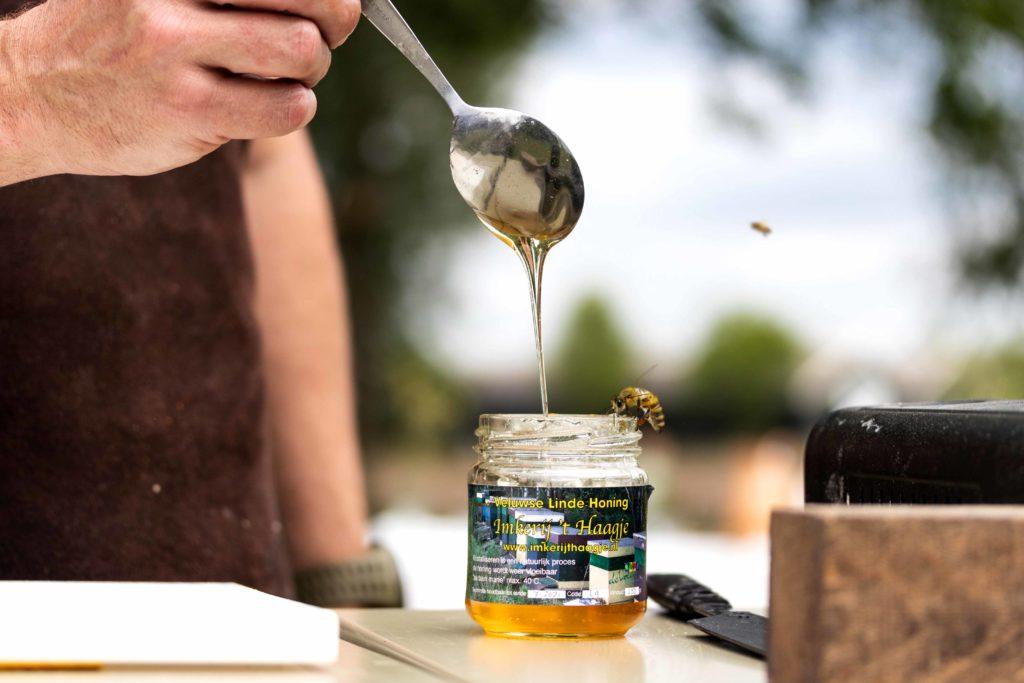 Uit Veluwe - Fotografie - Imkerij 't Haagje - Lindehoning en bijen